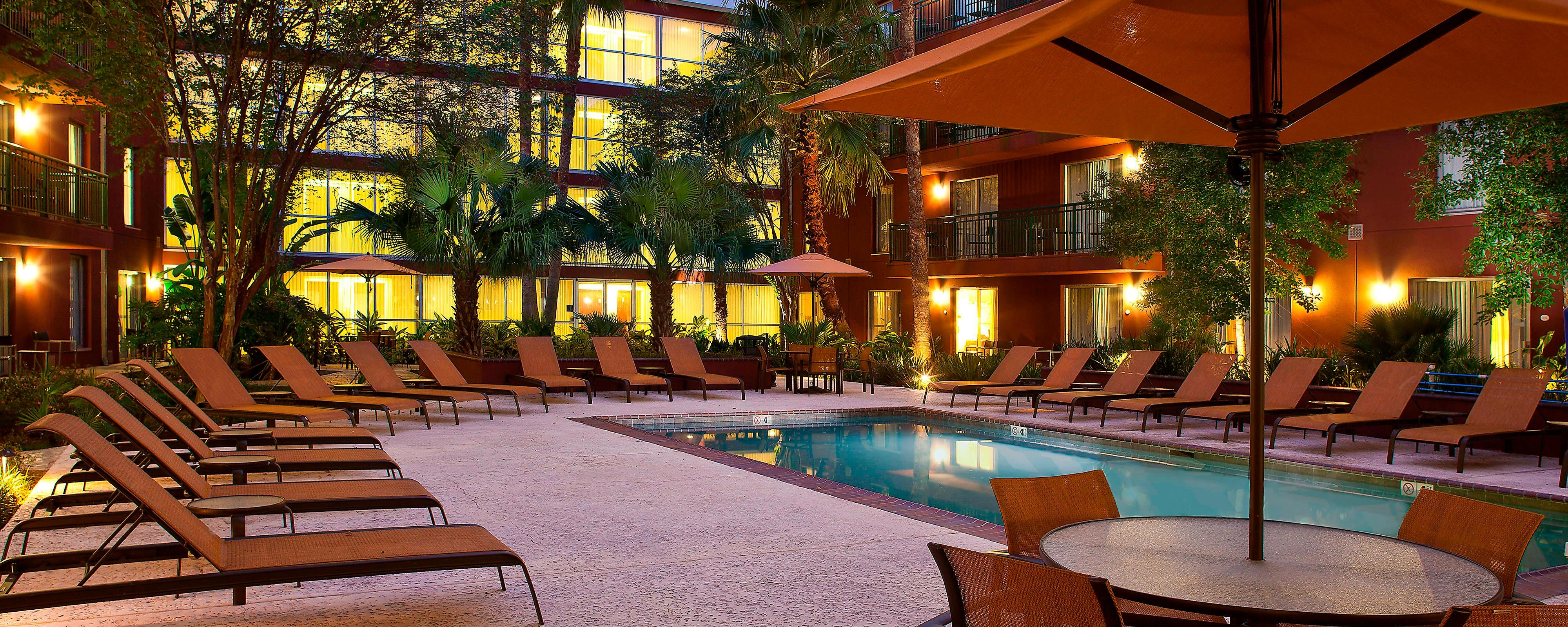 New Orleans Hotel With Pool Courtyard New Orleans Downtown Convention Center