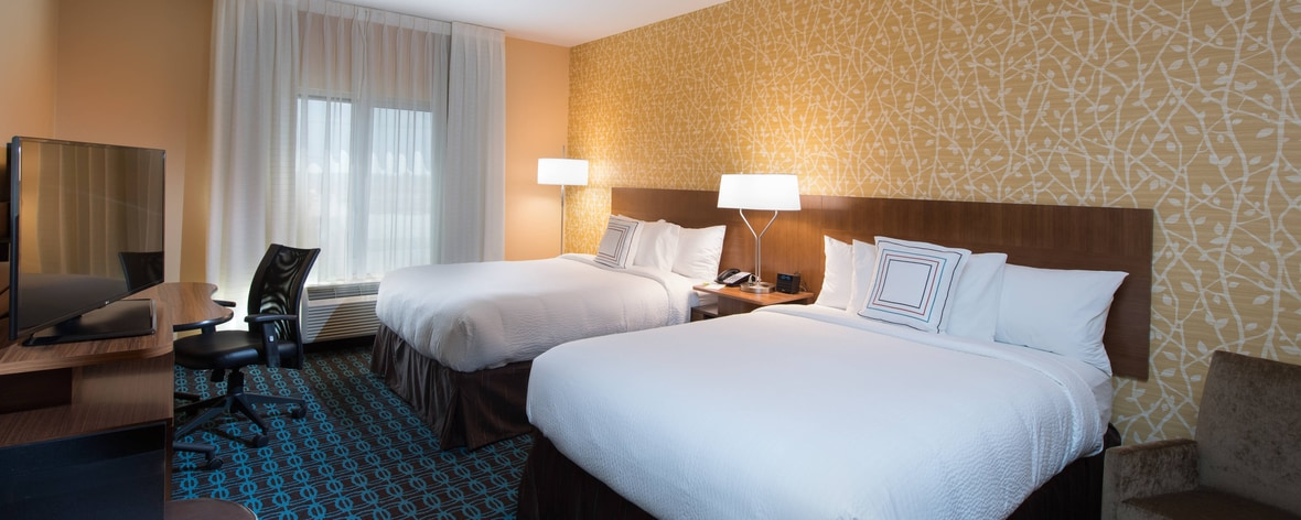 Book your next business or leisure trip at the Drury Inn & Suites St. Louis Creve Coeur. Experience Drury Hotel amenities like free breakfast, free wifi, free evening food & drink, pool, fitness center and more at this hotel in Creve Coeur.