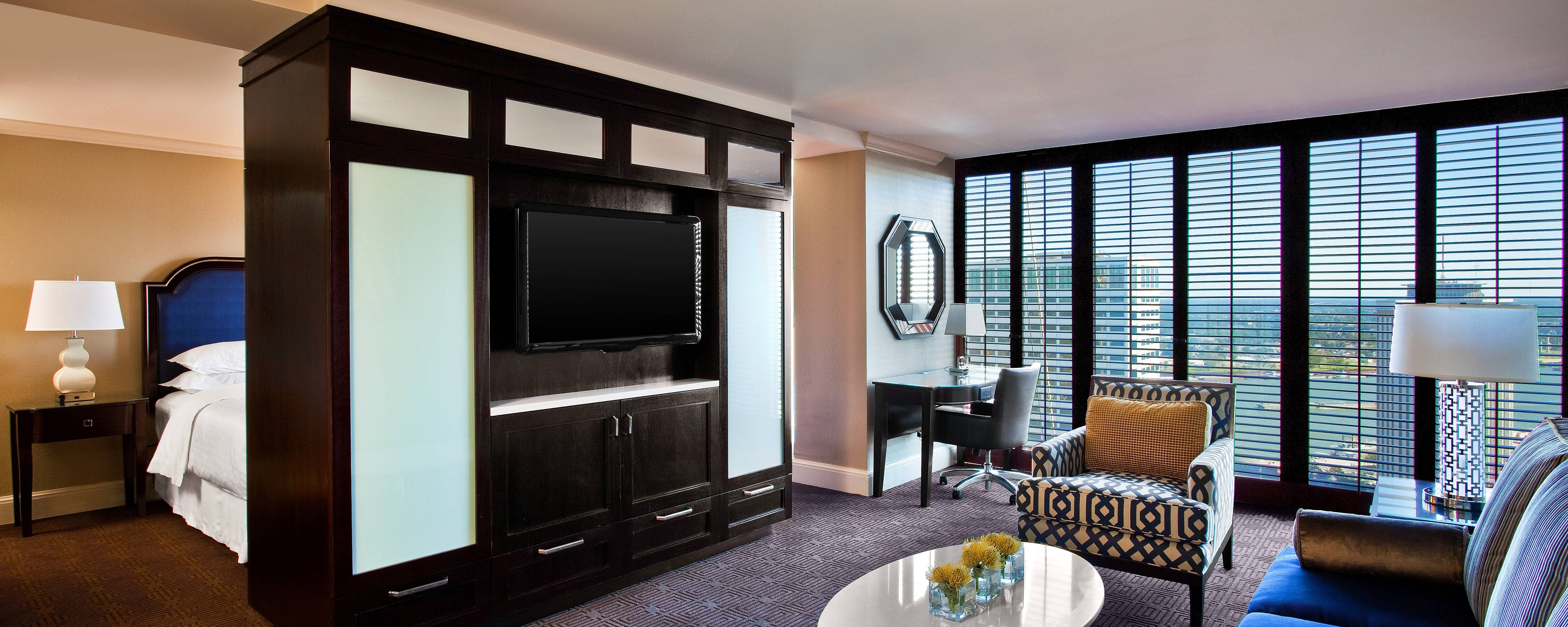 Executive Suite - Parlor