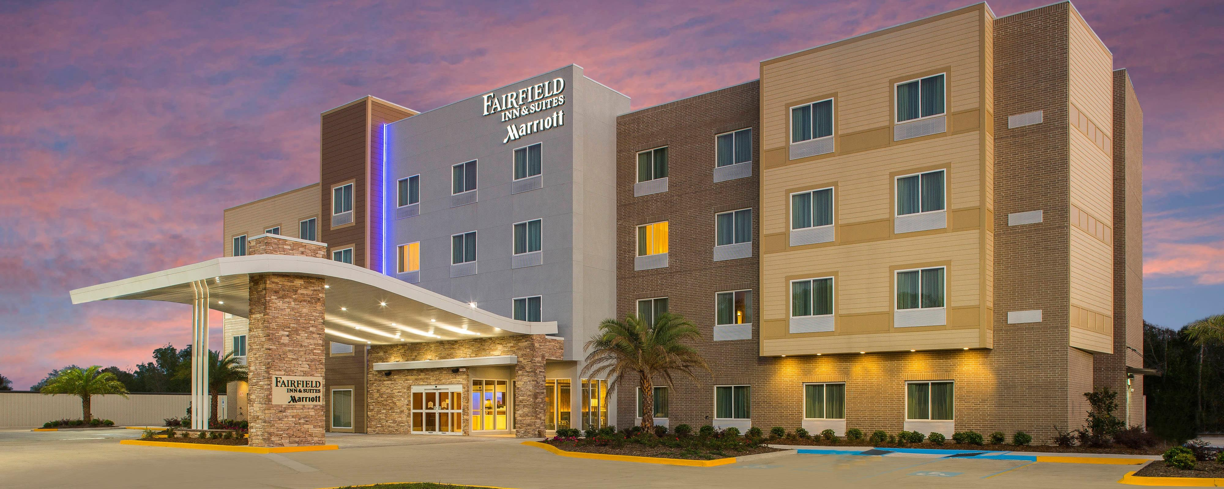 Fairfield Inn Suites Cut Off Galliano Earn Rewards Points And Stay Productive When Traveling To