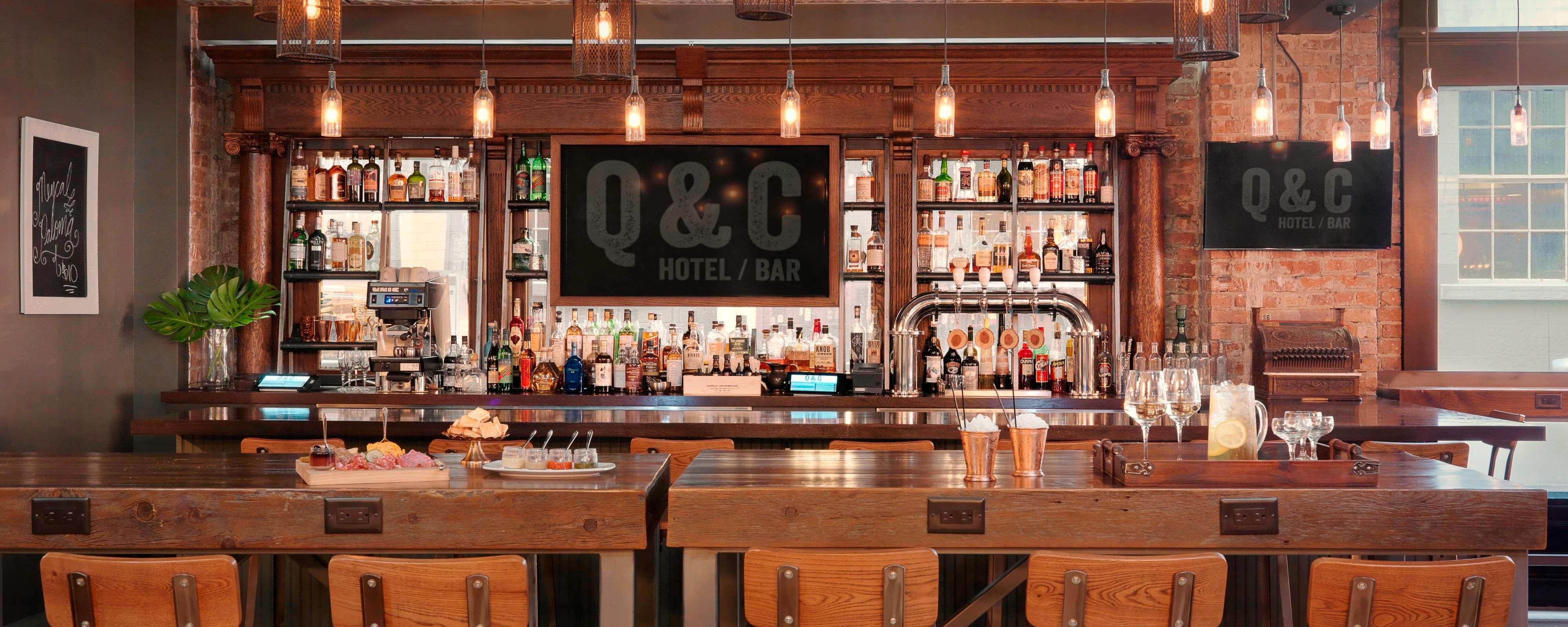 Q&C New Orleans – Hotelbar