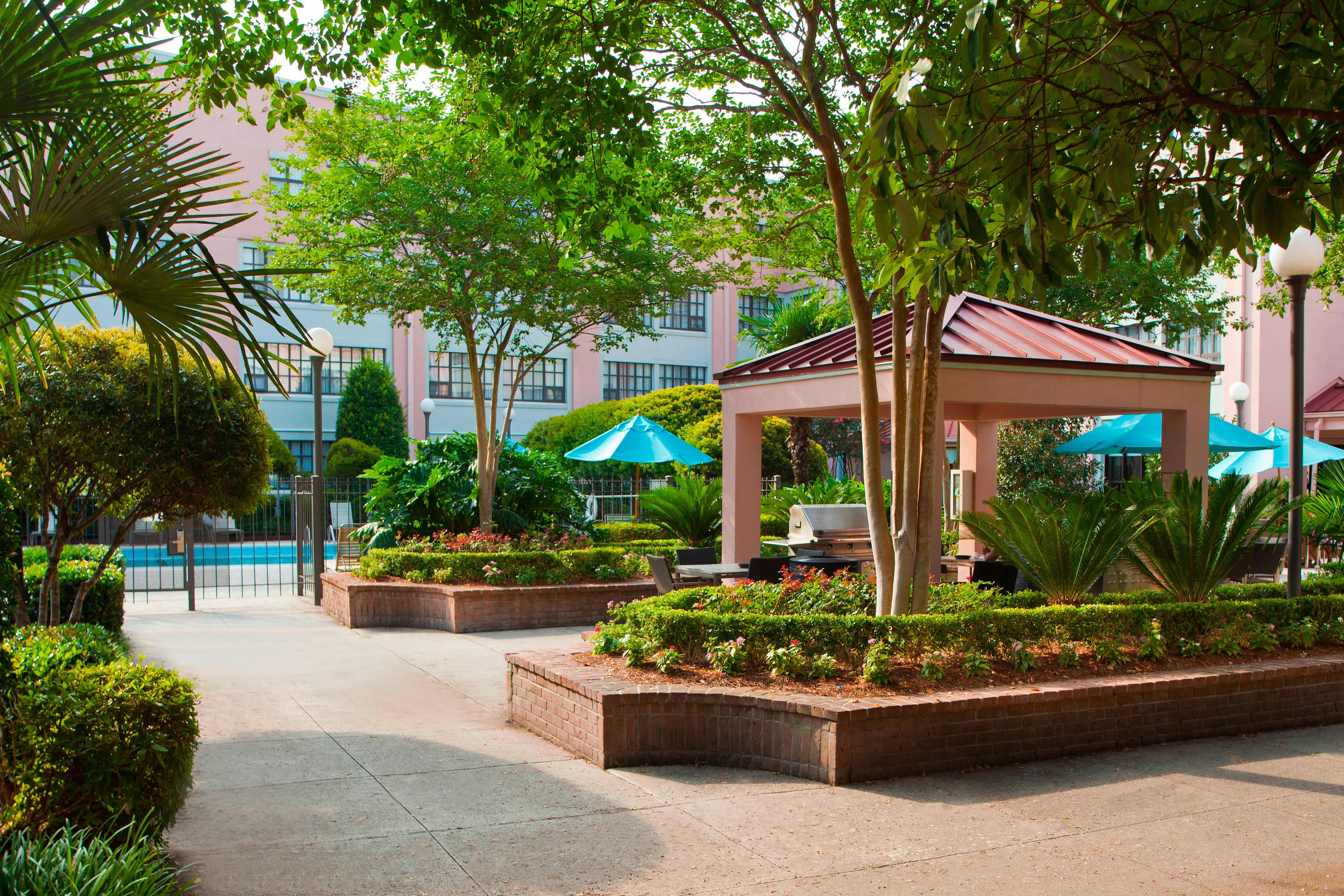 Residence Inn New Orleans Grill Area