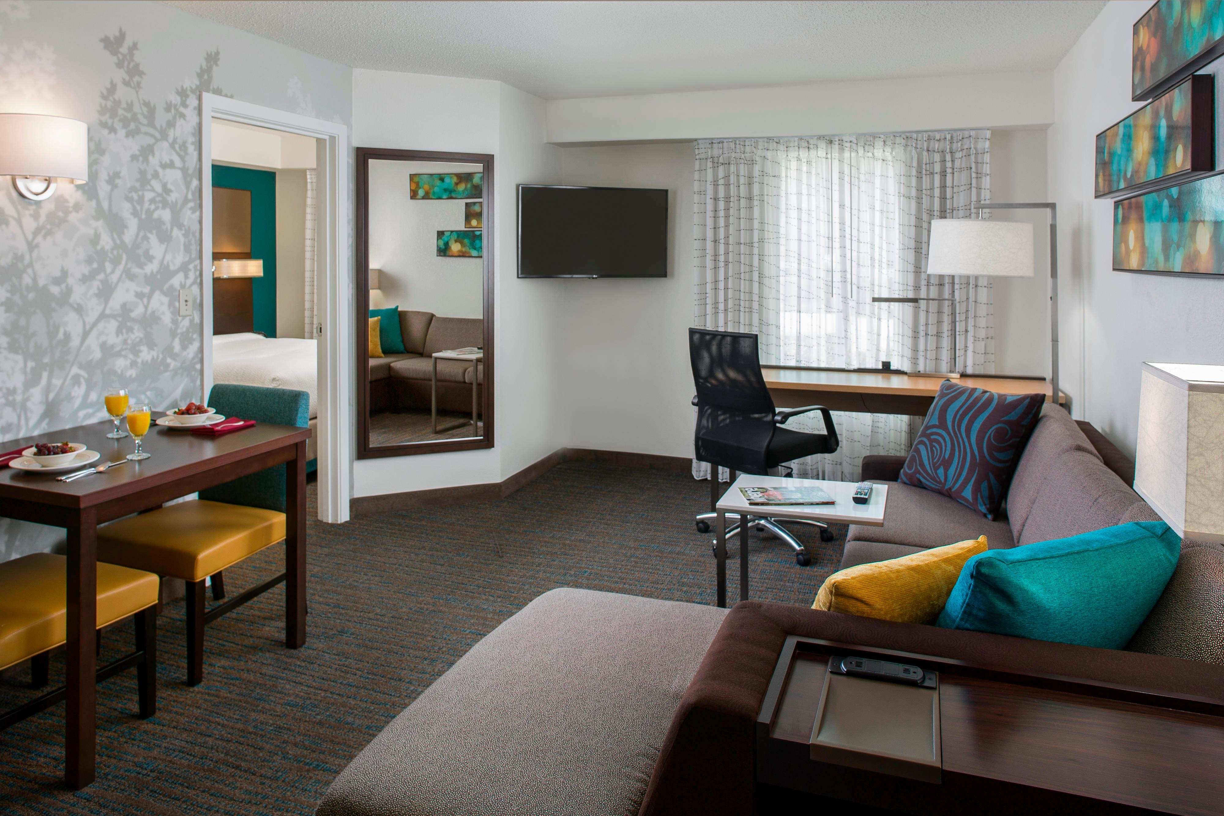 newly metairie in bedroom inn rooms renovated msyrm residence hotel suites hotels orleans clsc hor louisiana new suite