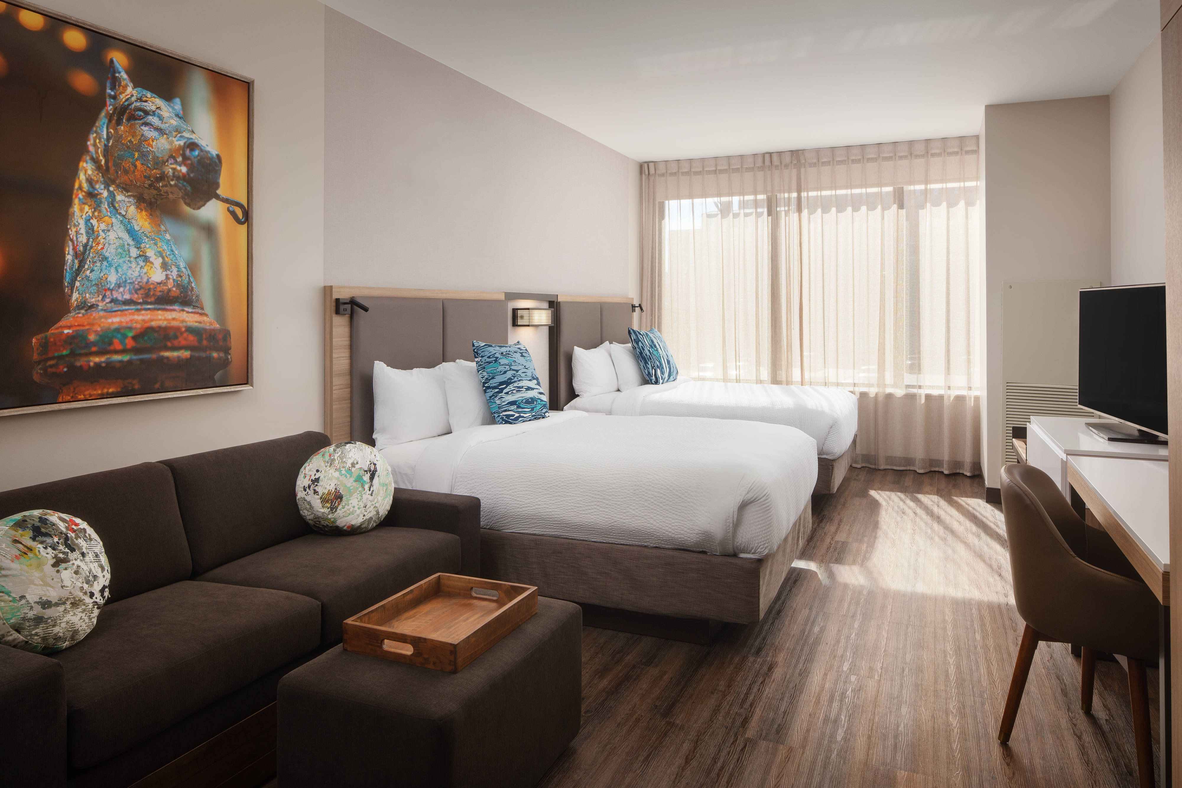 Hotels in downtown new orleans springhill suites new - Suites in new orleans with 2 bedrooms ...
