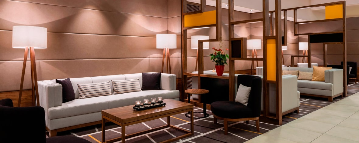 Lobby del Munich Airport Marriott Hotel