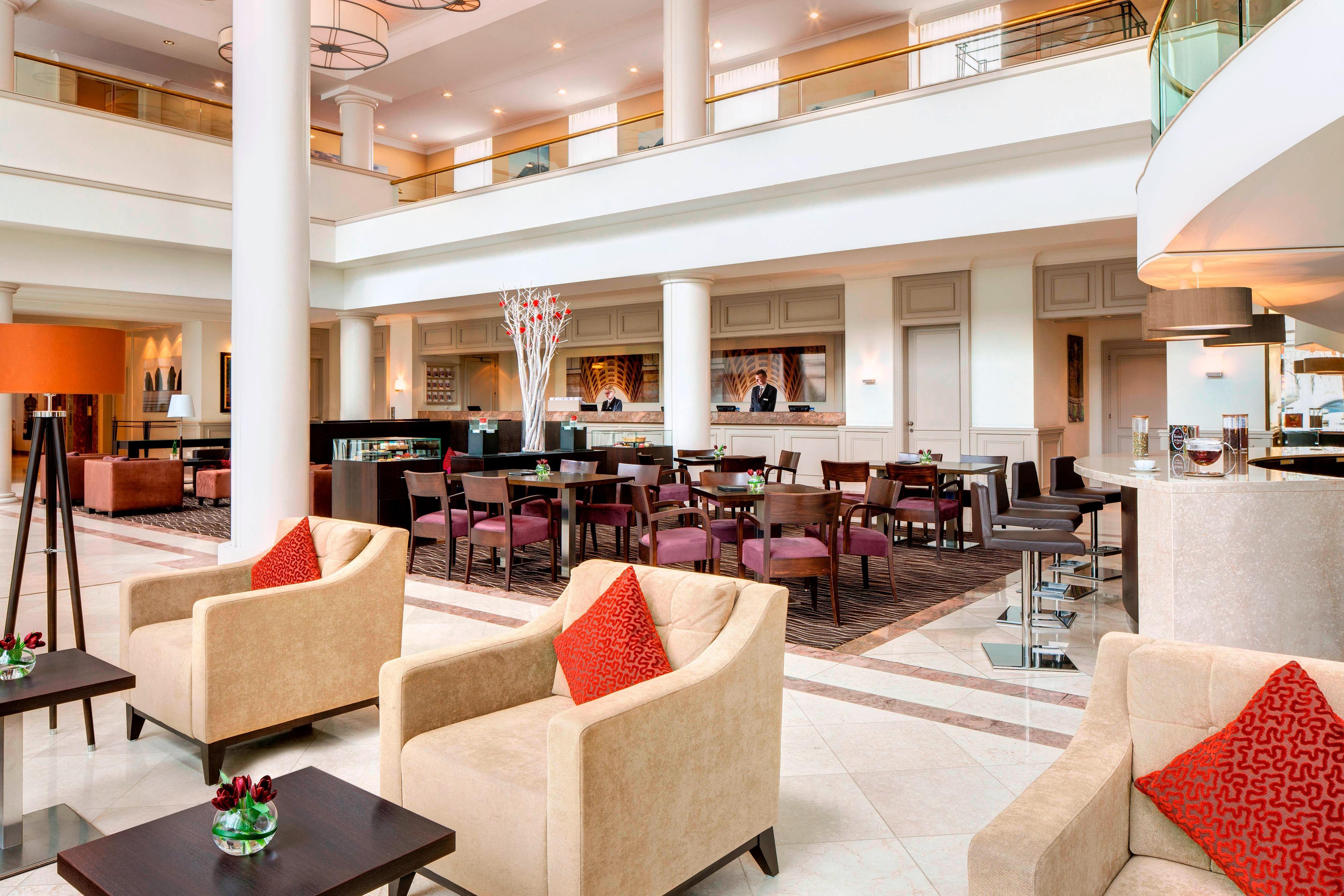 Lobby Lounge93 im Marriott Hotel, München
