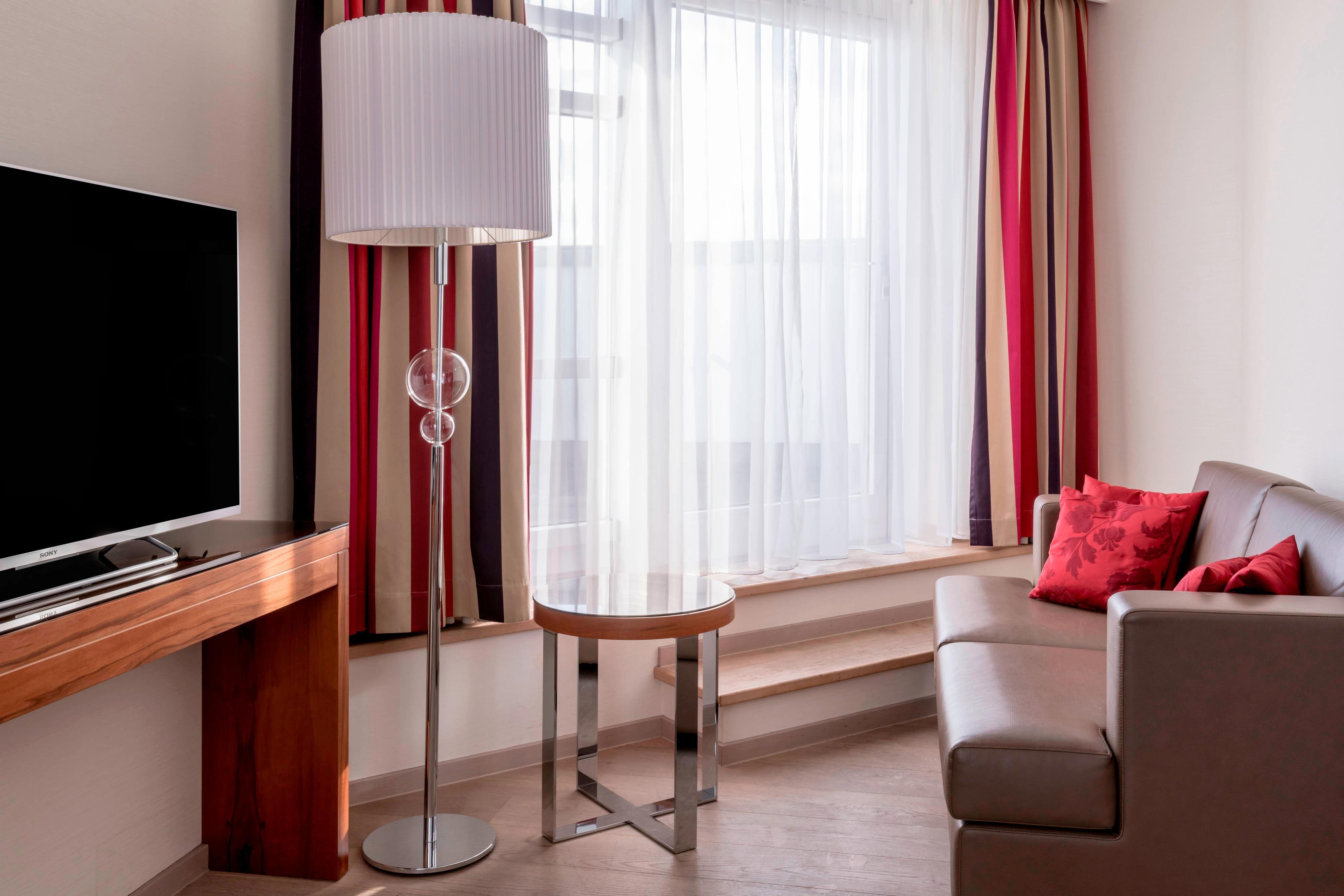 Junior Suite mit Kingsize-Bett und Terrasse