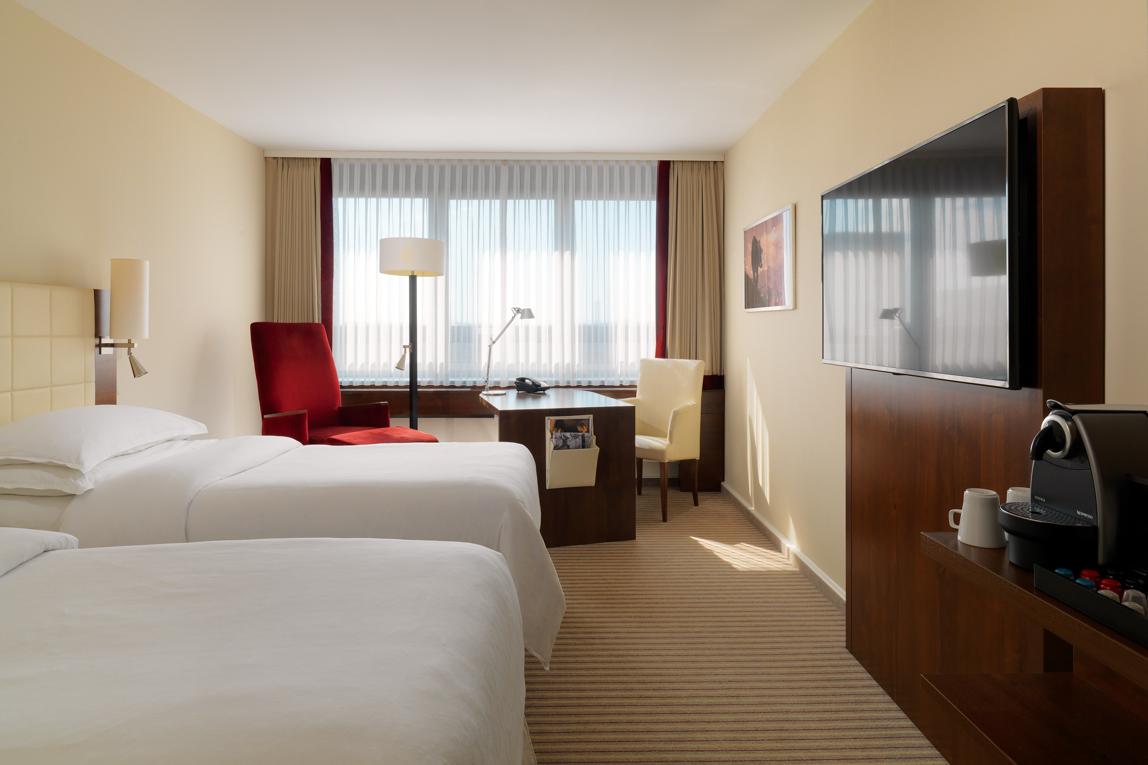 Guest Room - Club Level