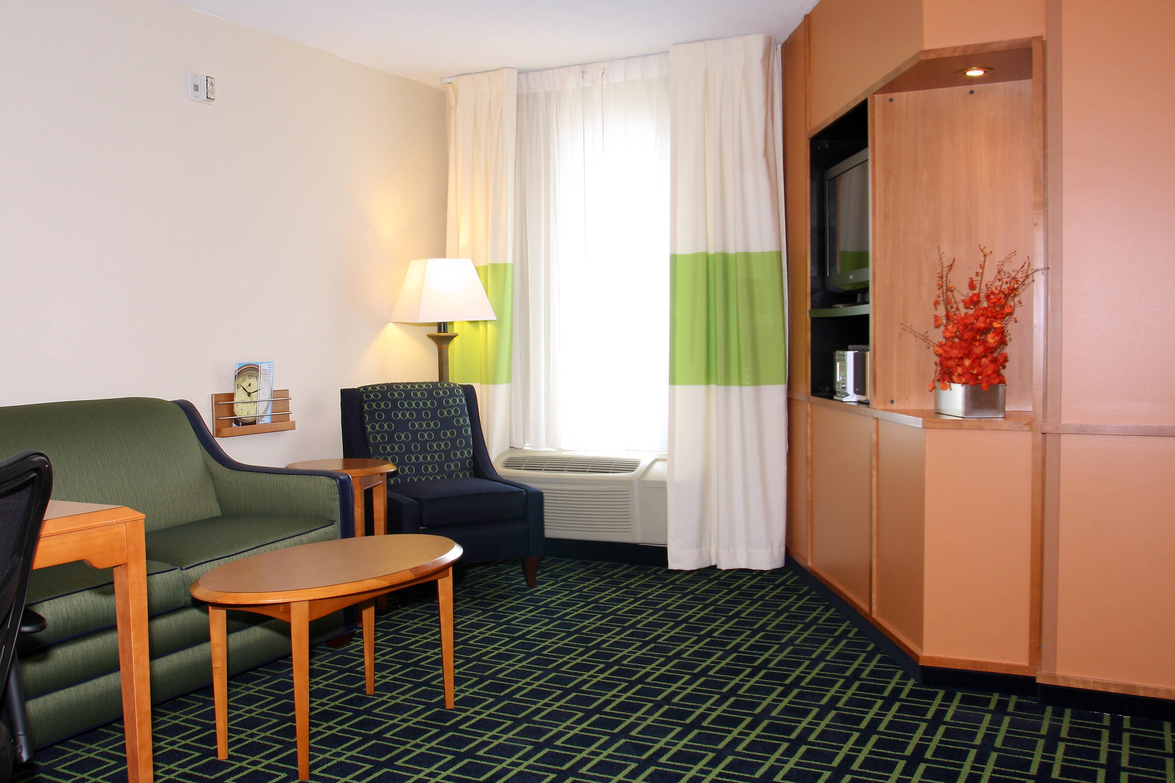 Suite à une chambre avec très grand lit