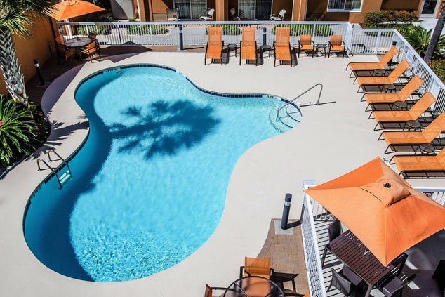 myrtle beach hotel with pool