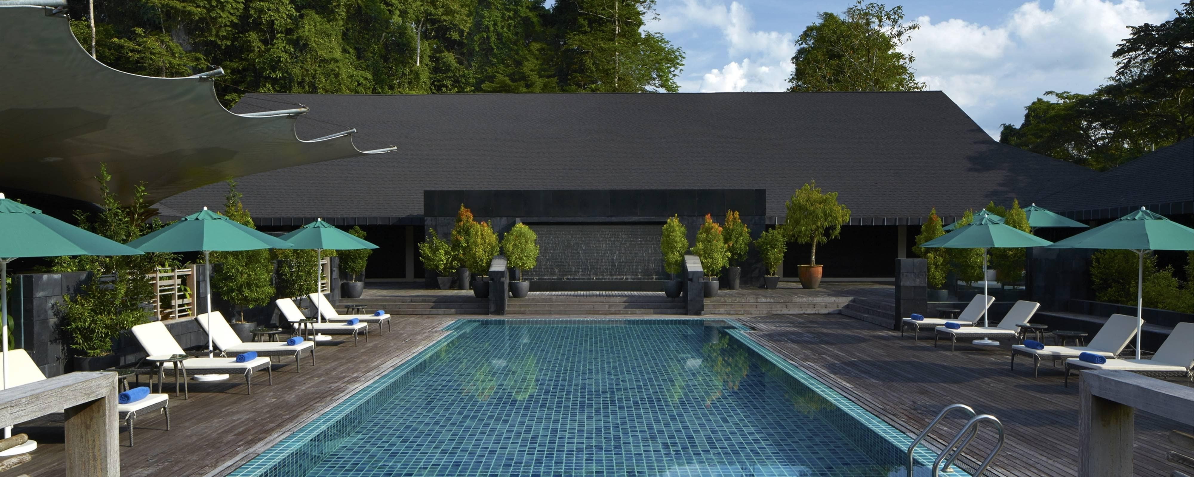 Outdoor Pool Mulu Marriott