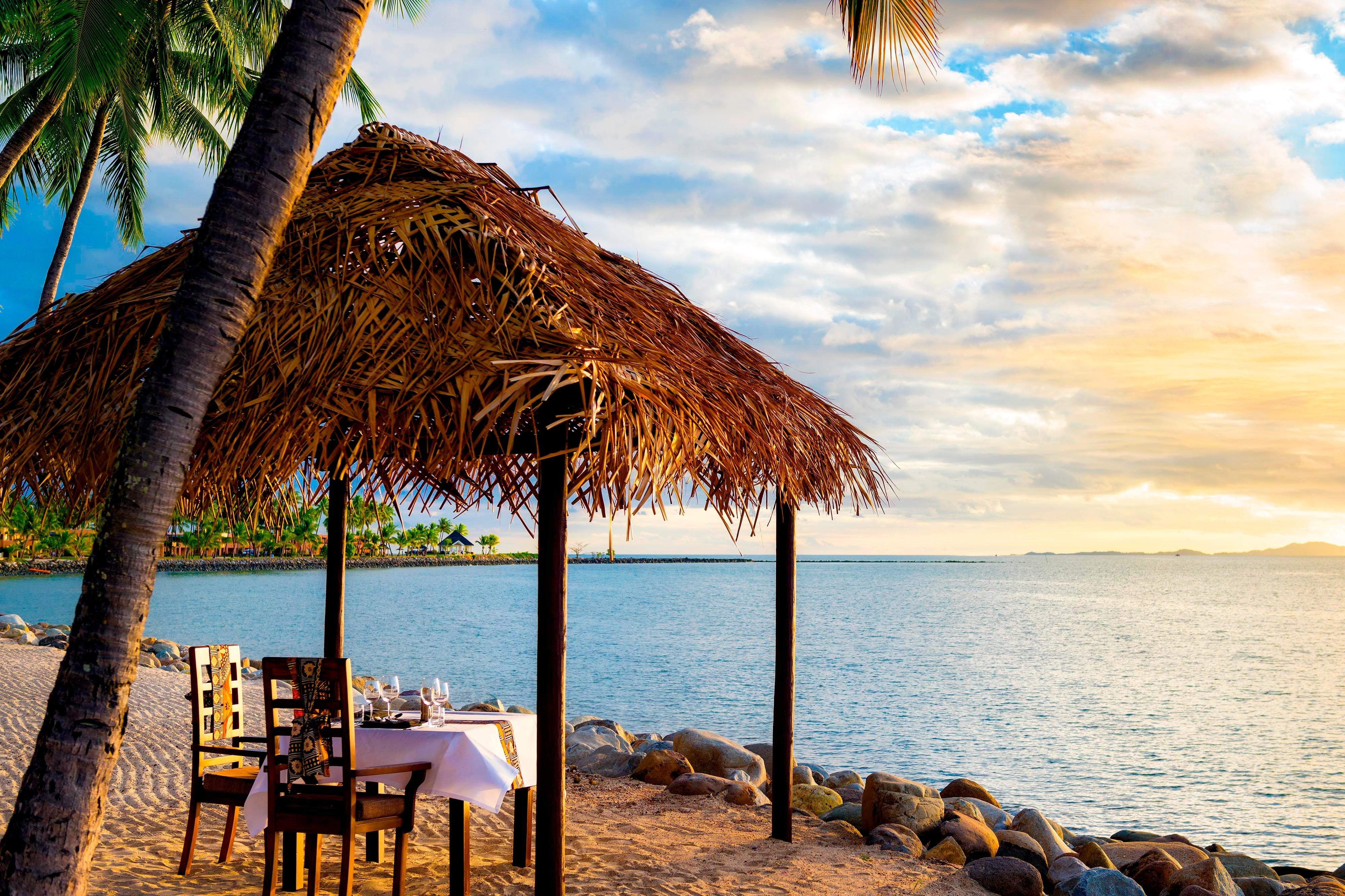 Kitchen Grill - Private Beachfront Dining