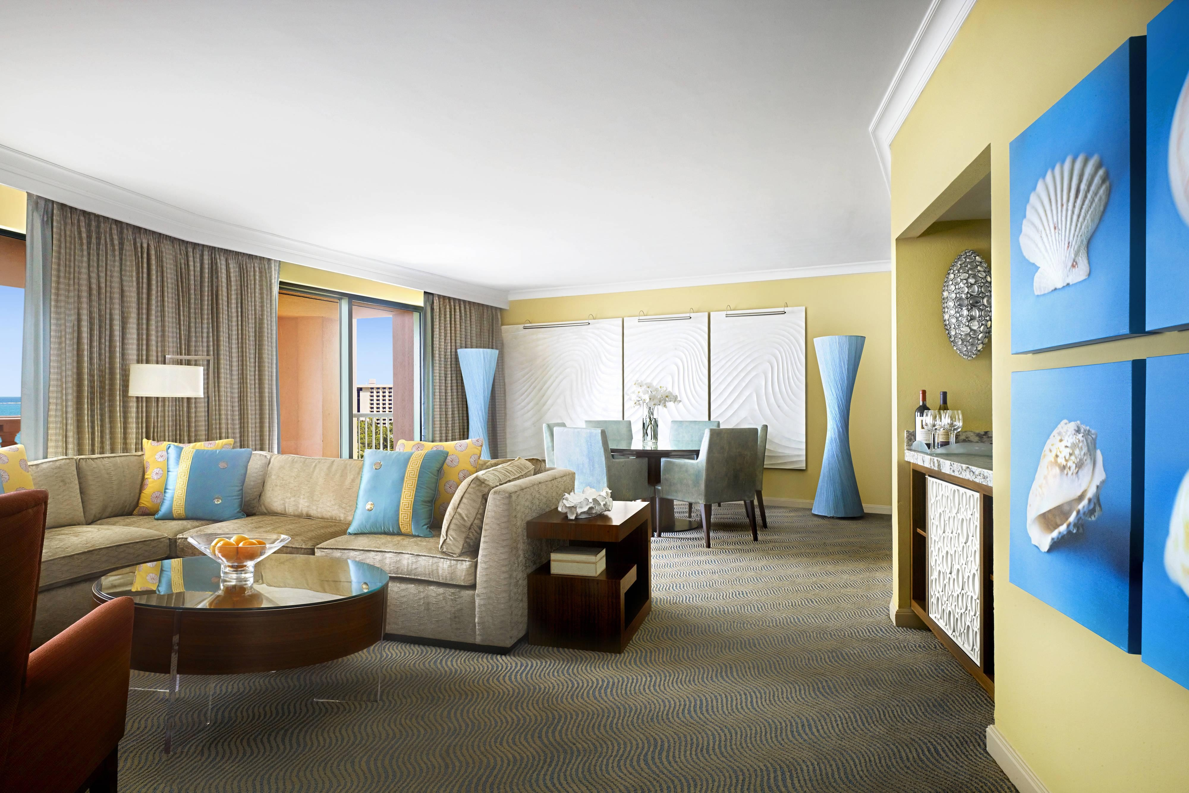 Grand Suite – Living Room