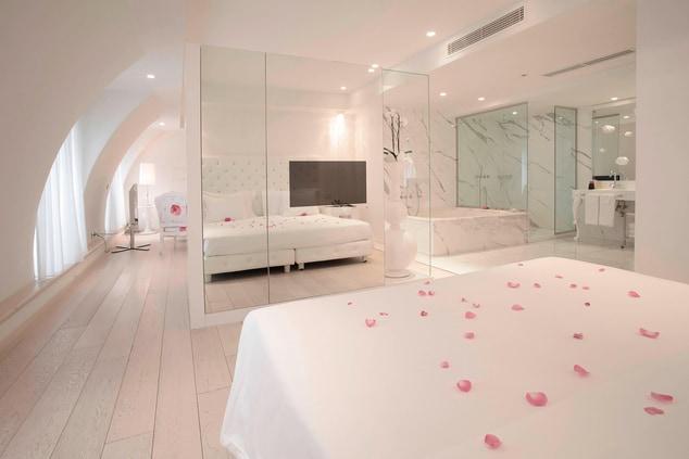 Luxury hotel suite French Riviera