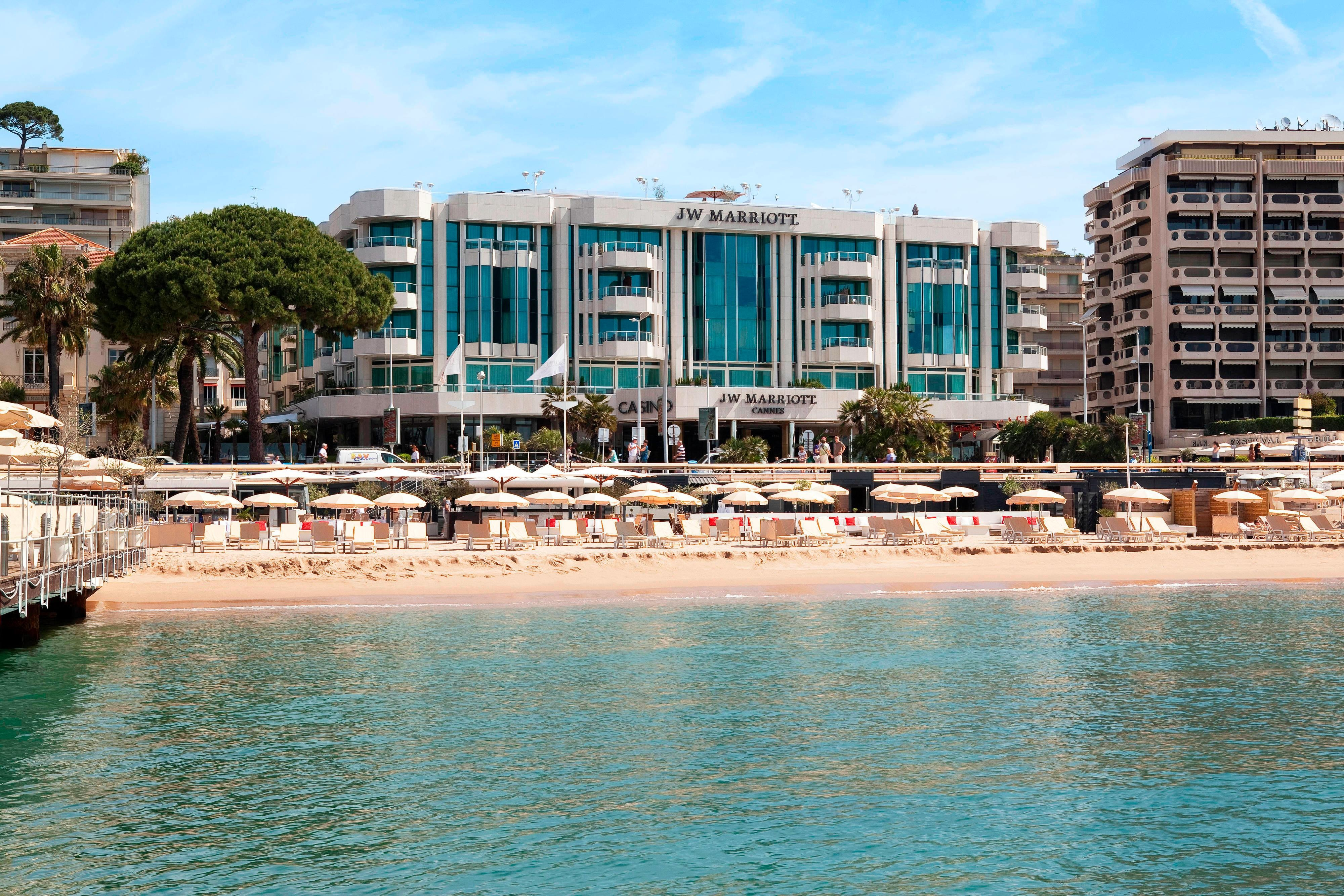 Beachfront Cannes 5 star hotel