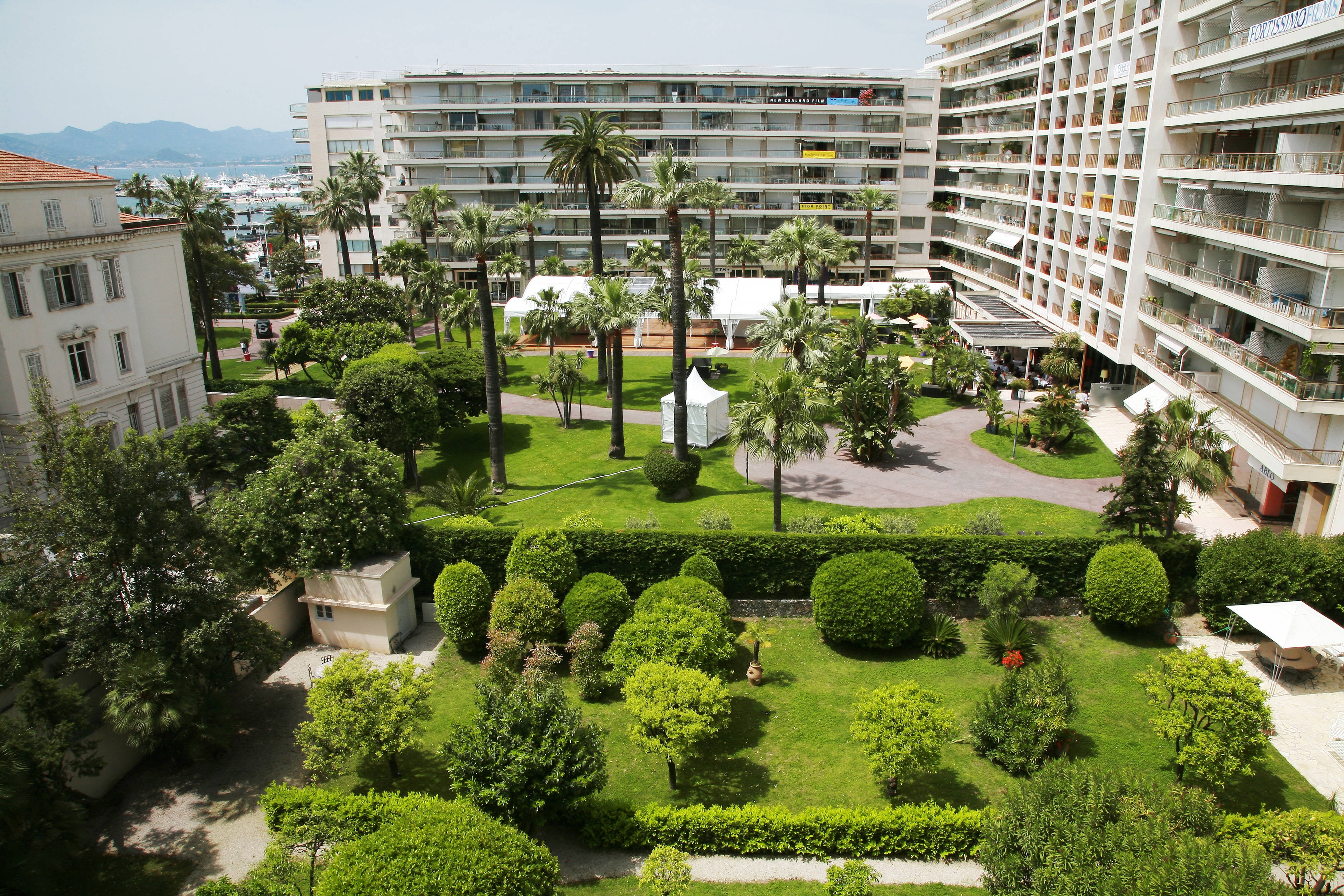 Cannes Accommodation - French Riviera Suites | JW Marriott Cannes