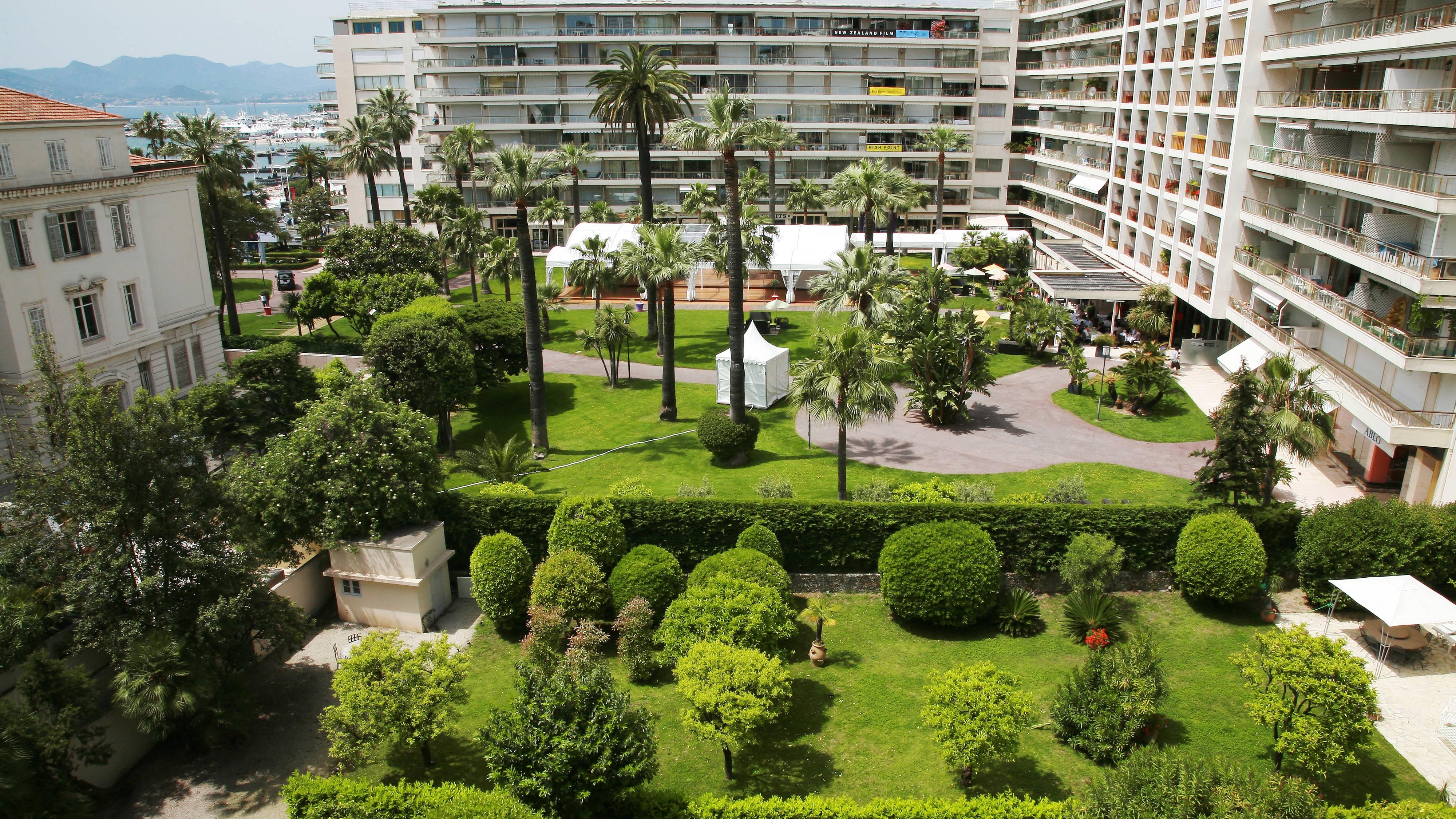 Cannes Hotel Garden View