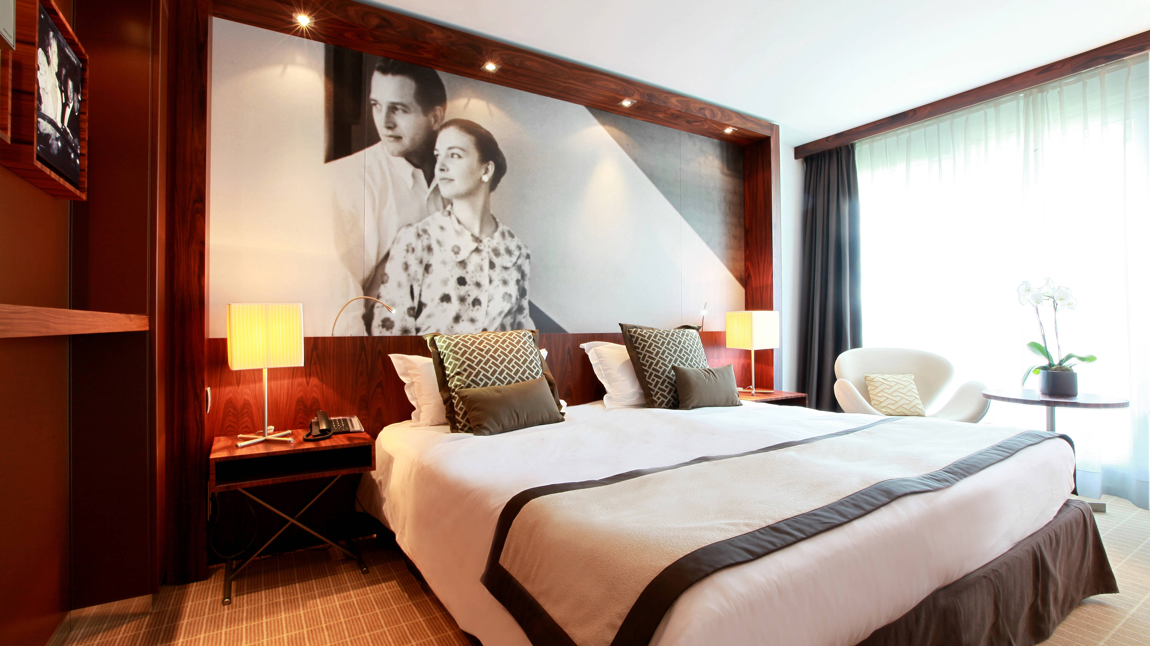 Cannes luxury hotel guest room