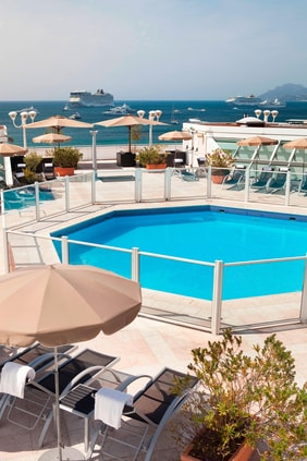 Cannes hotel with pool