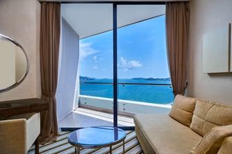 Club Ocean View Guest Room - Balcony Southside
