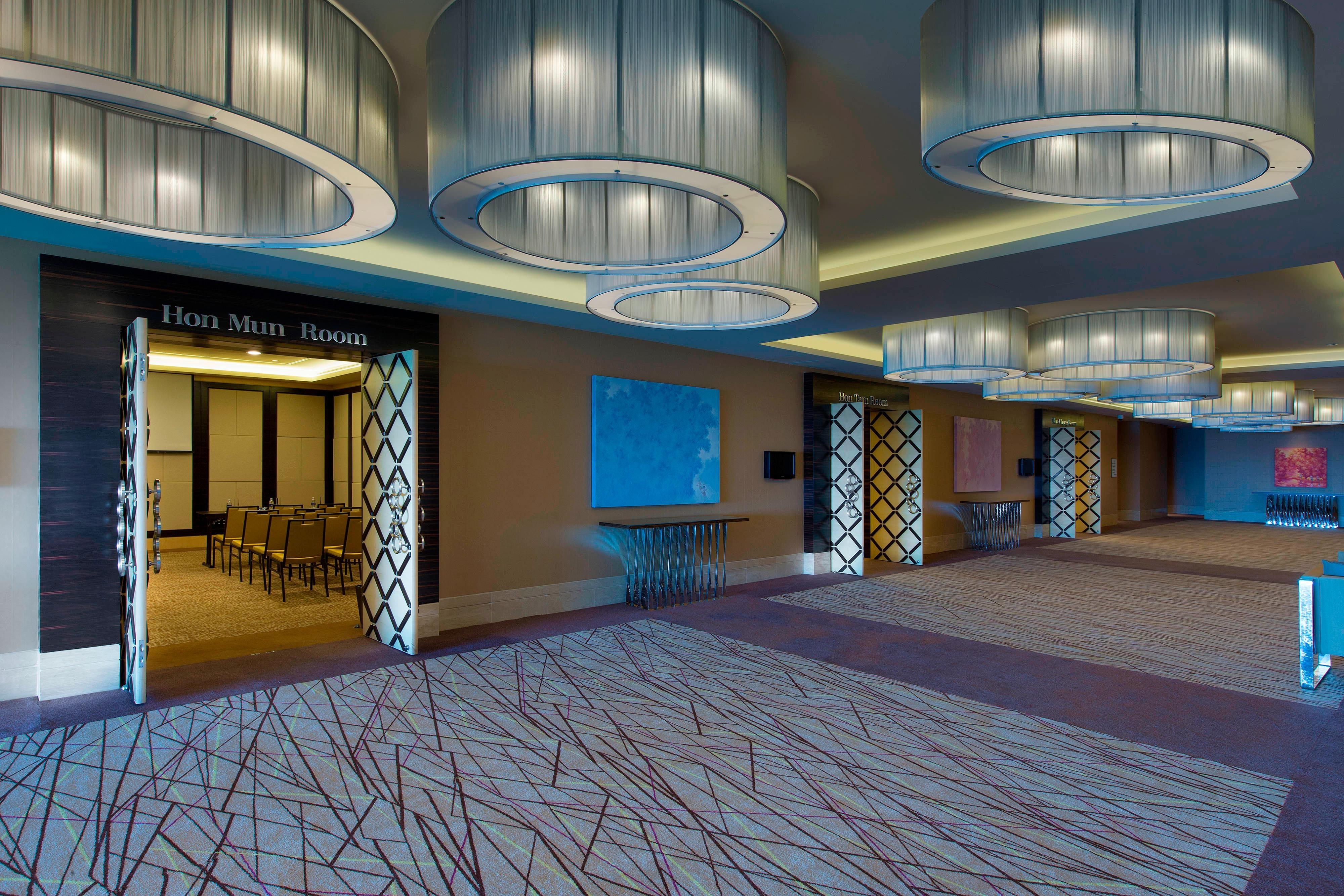 Meeting Foyer Level 2