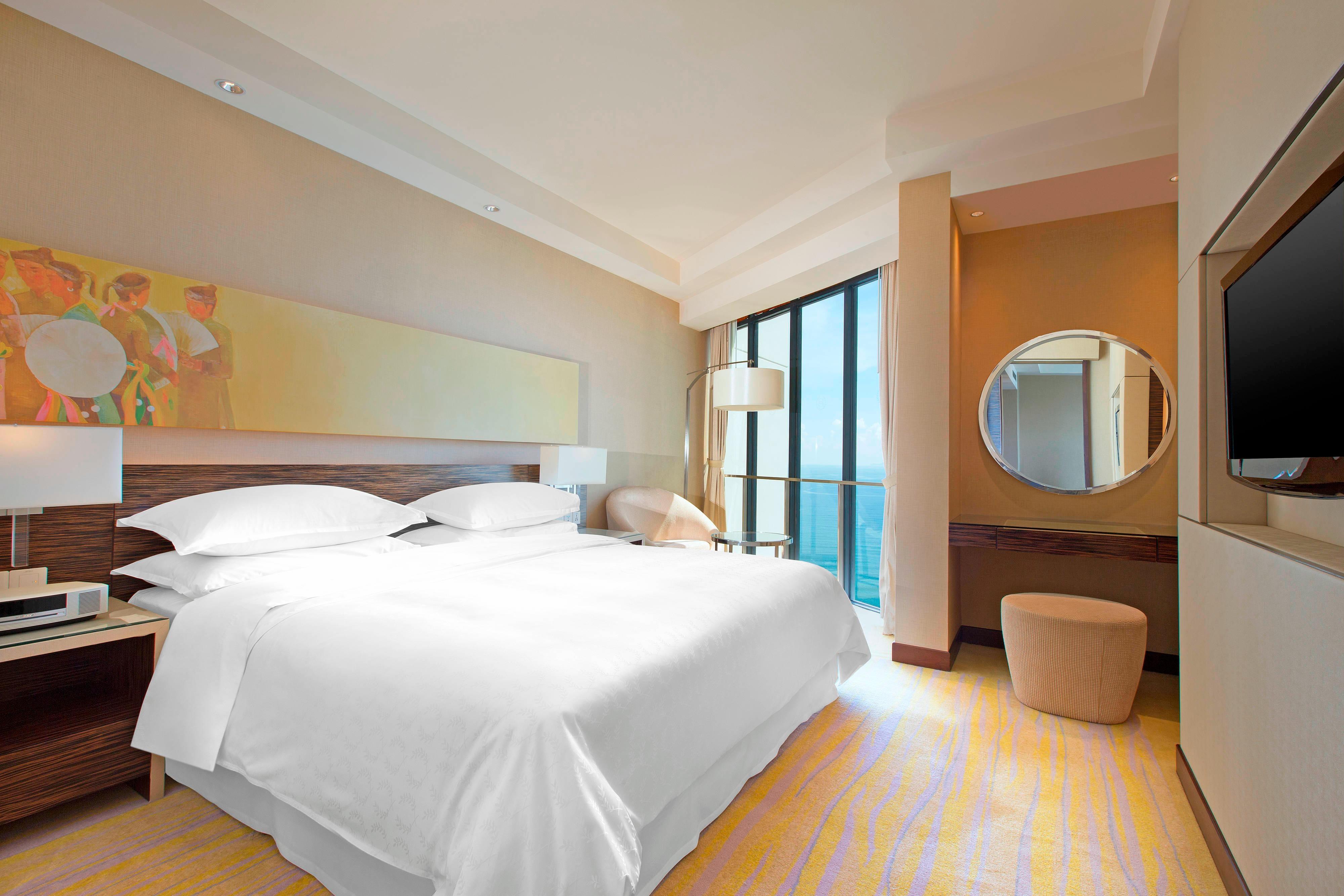 Executive Suite Ocean View Bedroom