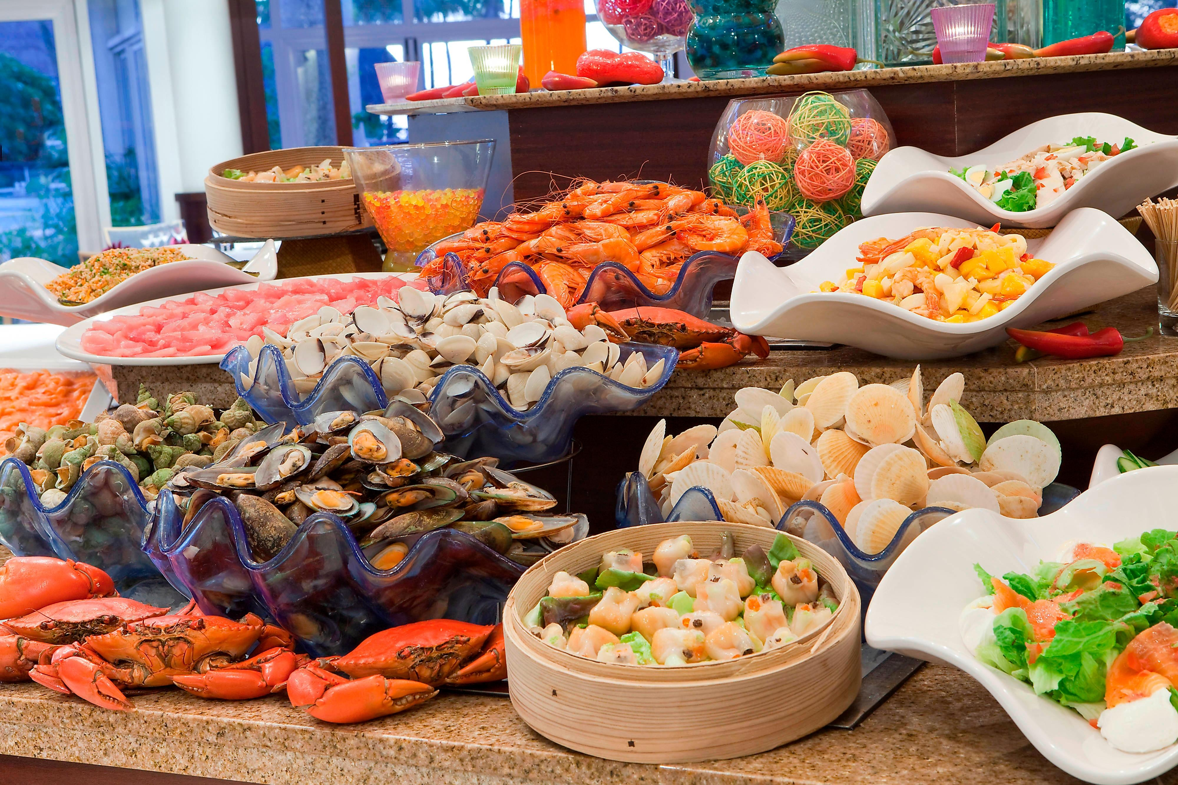 Le Sextant Restaurant - Seafood Buffet