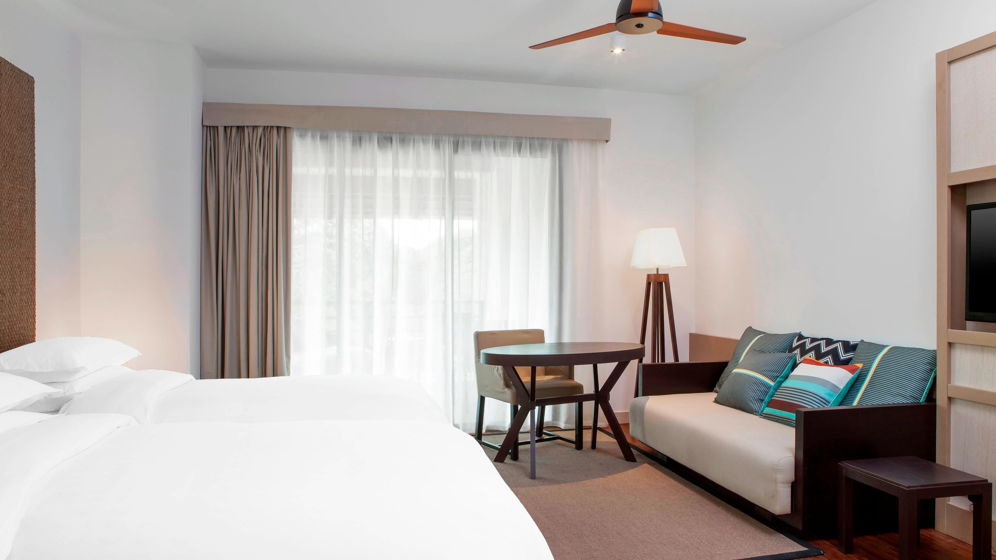 Traditional Domain or Superior Golf Twin Room