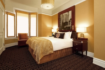 Midtown Manhattan hotel queen room