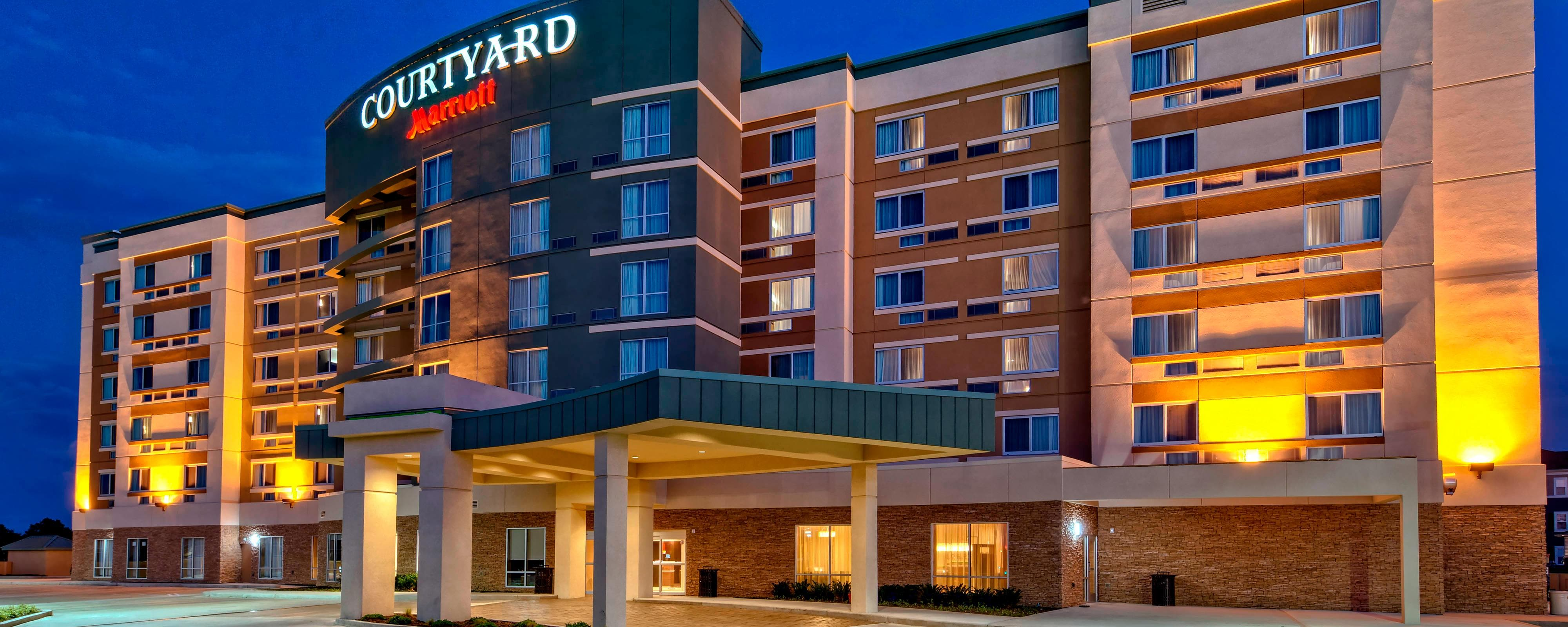 Courtyard By Marriott Long Island City New York Manhattan: Long Island Hotels In Westbury, NY