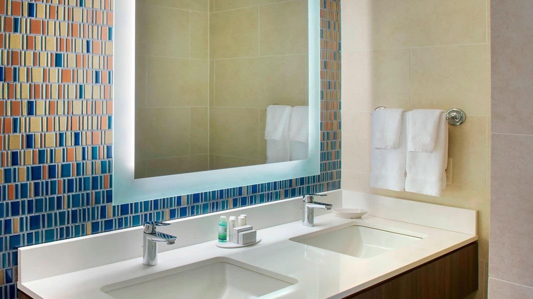 Double/Double Suite Bathroom Vanity