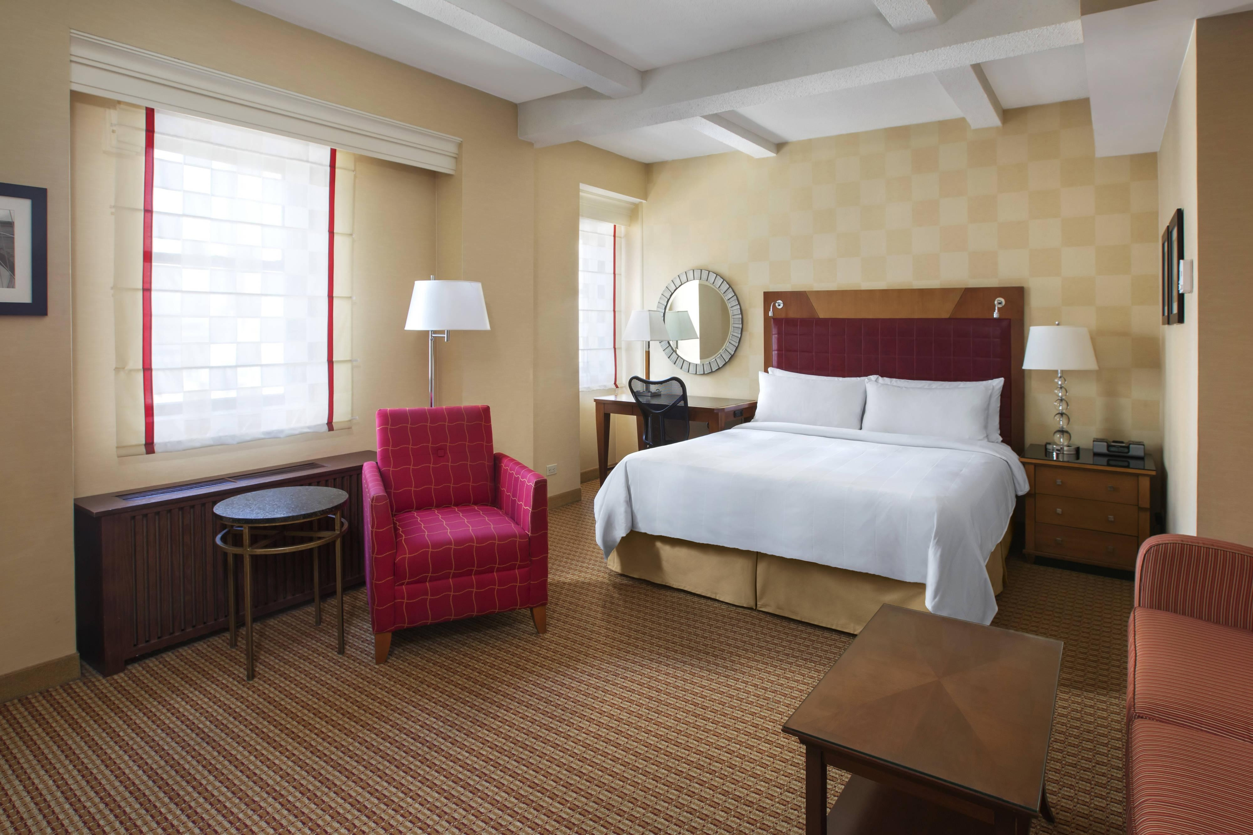 NY Marriott Large Guest Room
