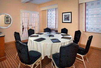 Junior Suite Meeting Area