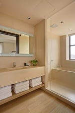 Baño de la suite Loft en el New York EDITION.