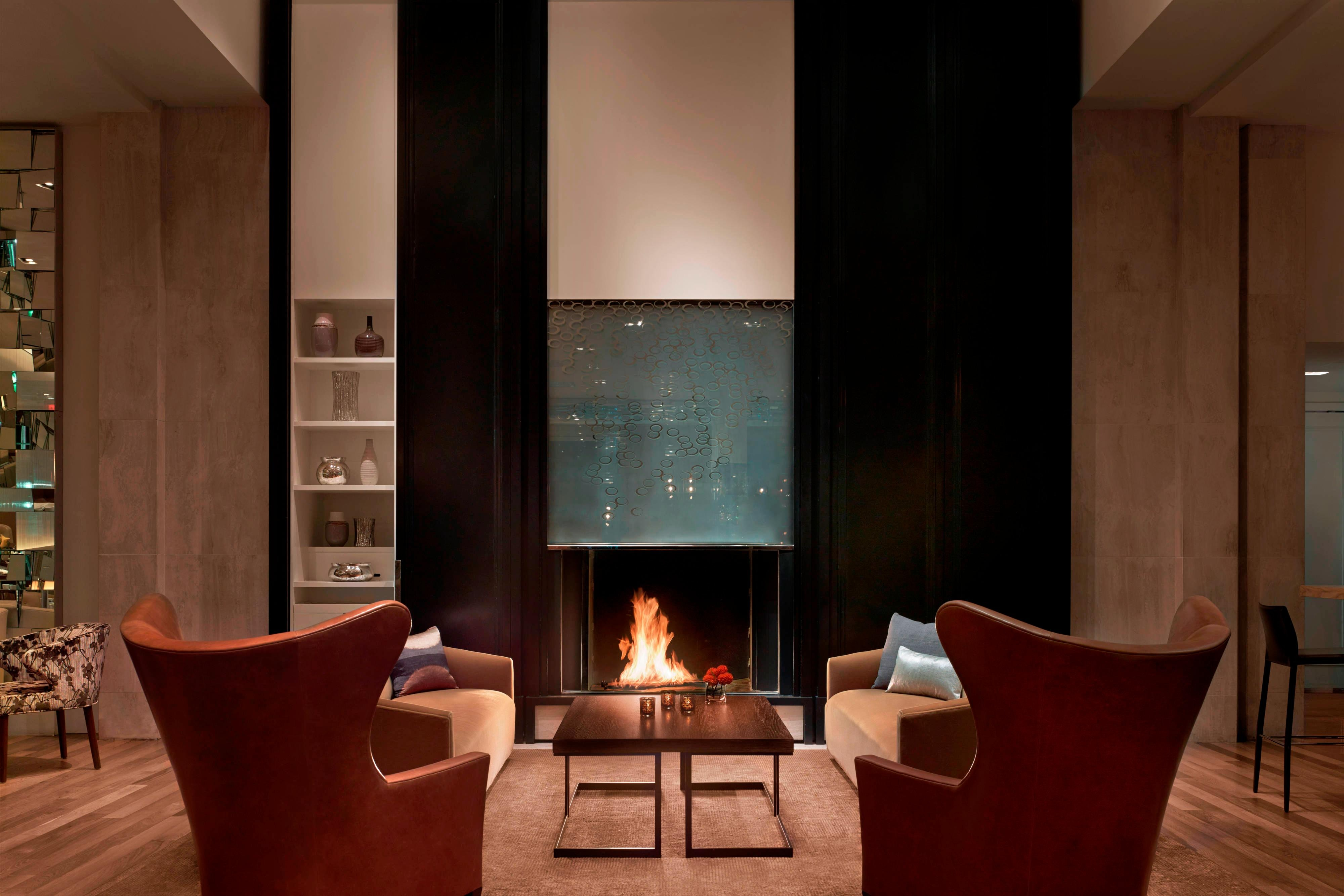 SOUTHGATE Bar & Restaurant – Fireplace