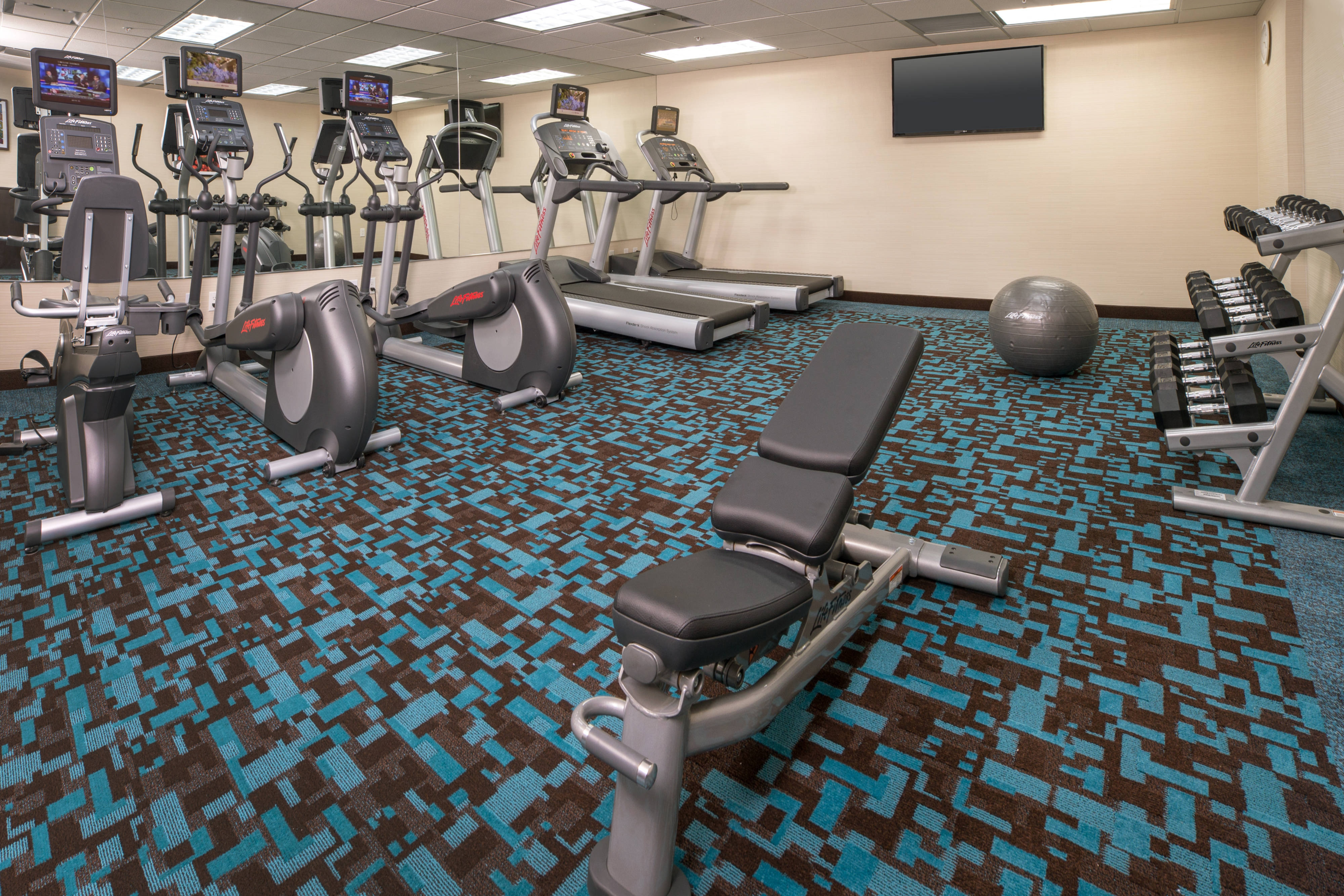 Lower Manhattan hotel fitness center