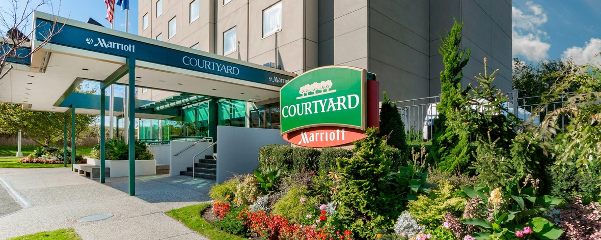 Jfk Airport Hotels In Jamaica Queens Courtyard New York
