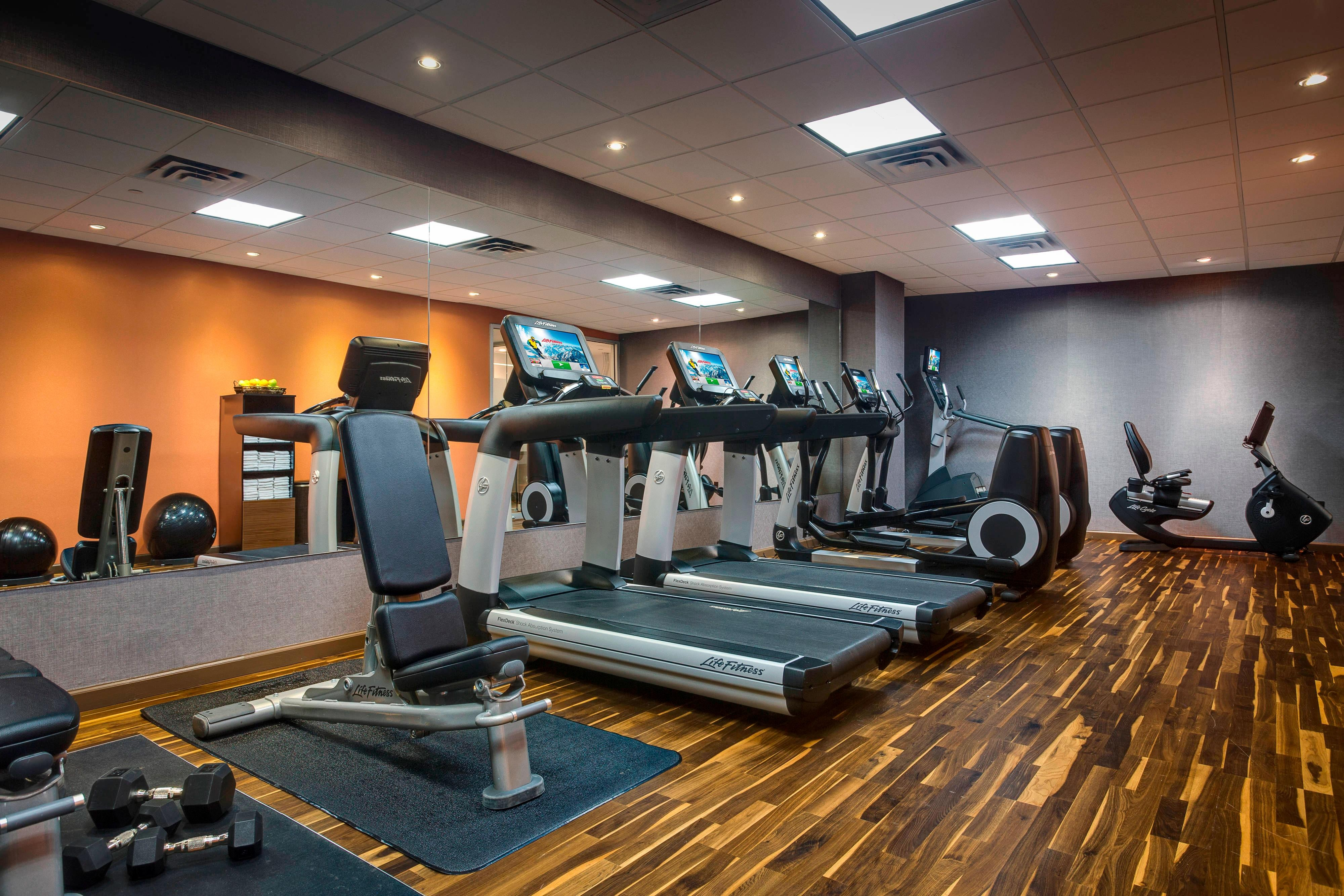 JFK Airport Hotel Fitness Center