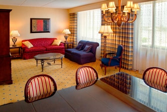 Uniondale New York hotel suites