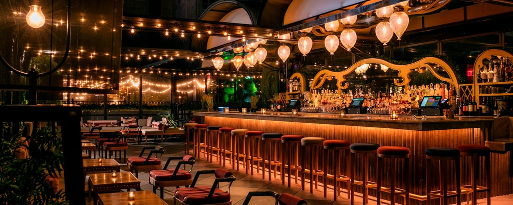 Hotel Dining Amp Restaurants Moxy Nyc Times Square