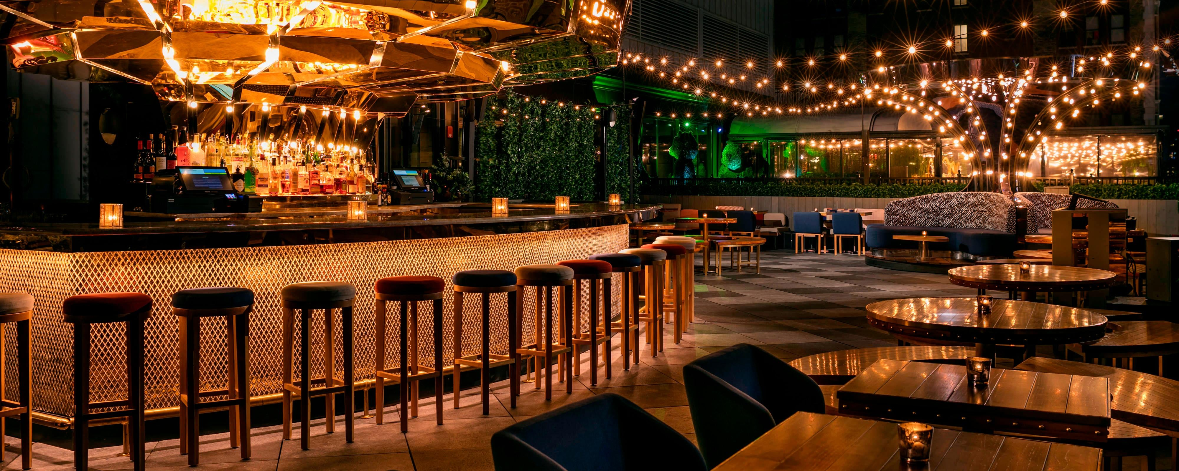 Trendy Nyc Rooftop Bars Lounges Moxy Nyc Times Square