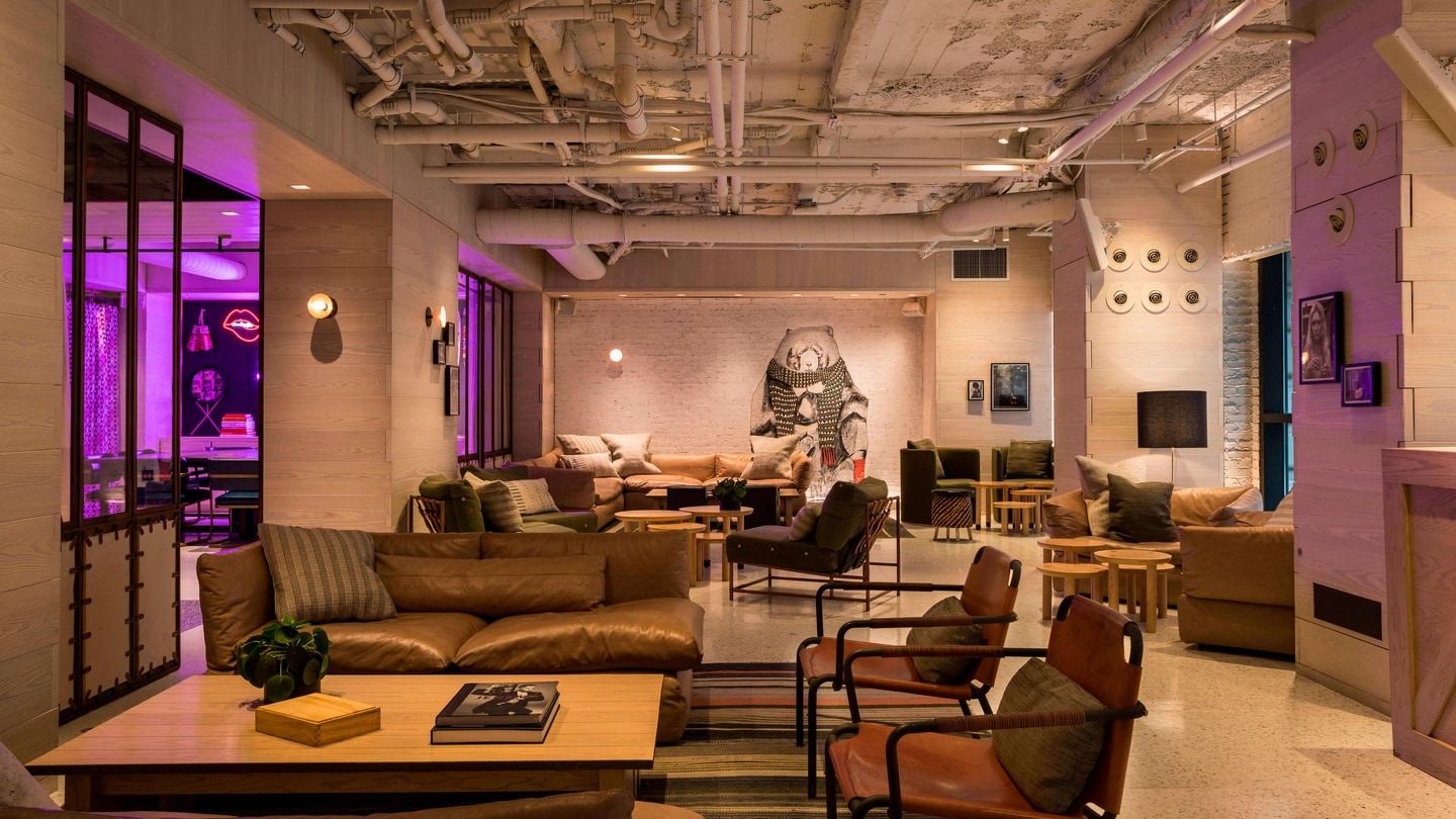 NYC Boutique Hotel Manhattan | Moxy NYC Times Square