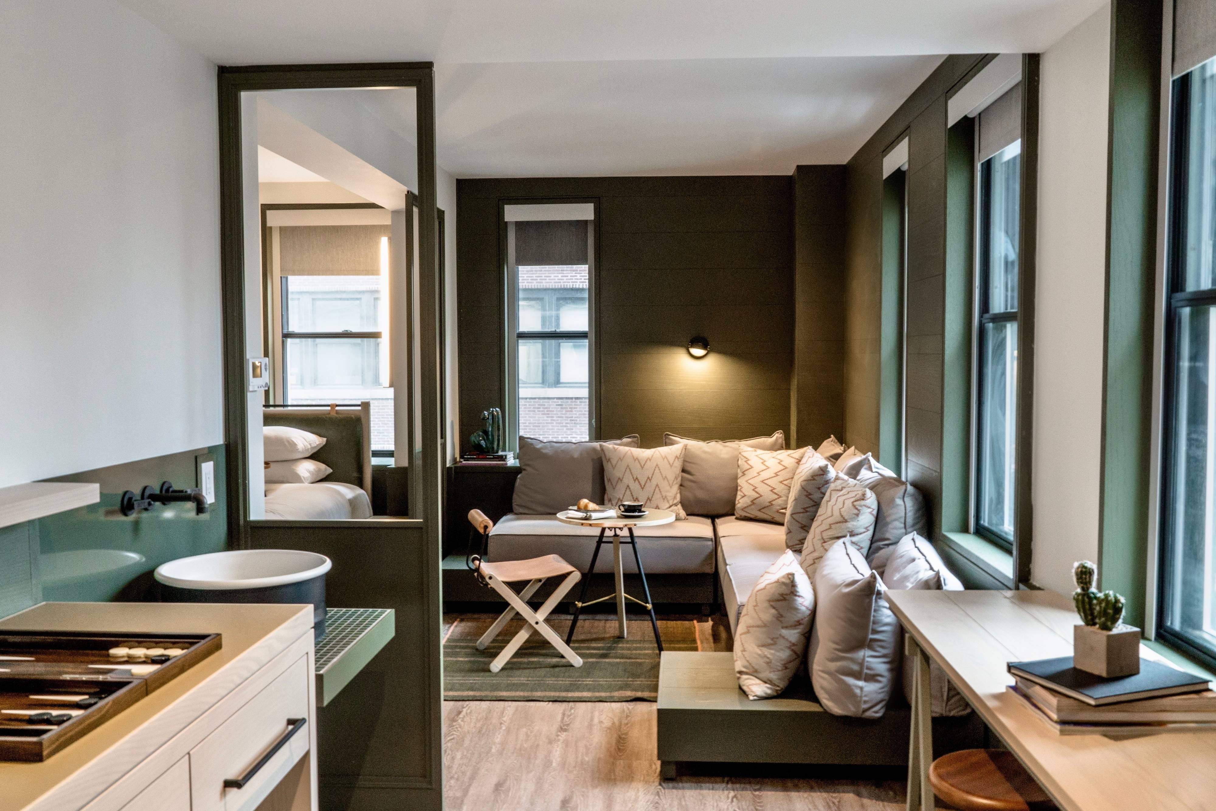 Trendy Modern Hotel In Nyc Moxy Nyc Times Square