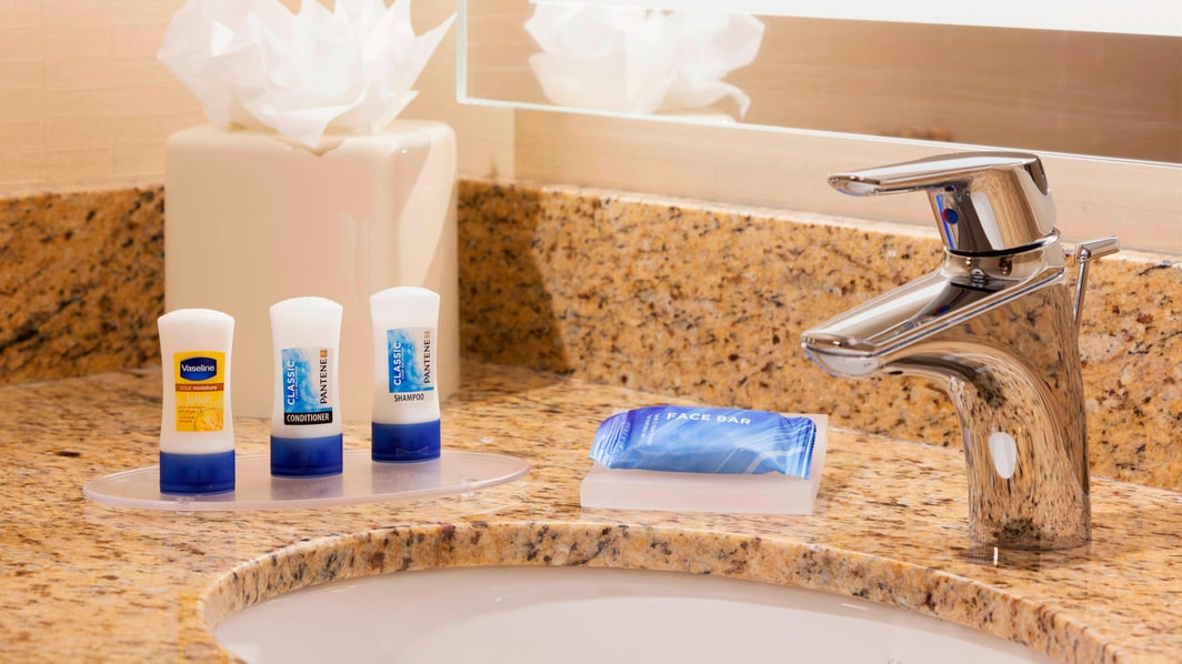 Manhattan Marriott Bathroom Amenities