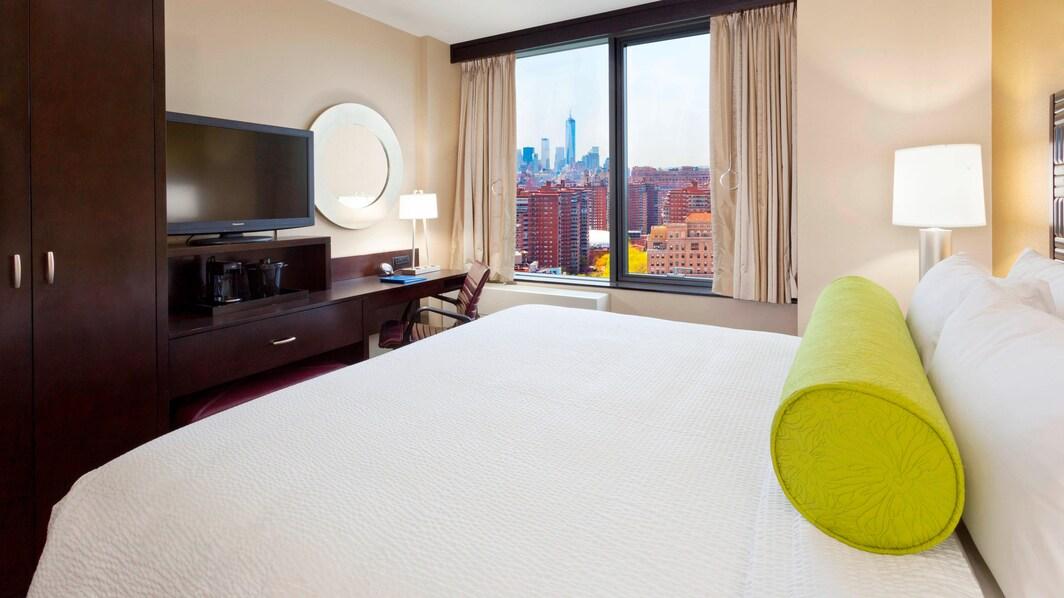 Penn Station Hotel King Guest Room