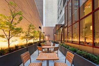 Midtown Manhattan Hotels with Patio