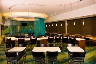 Flushing Meadows hotel dining area