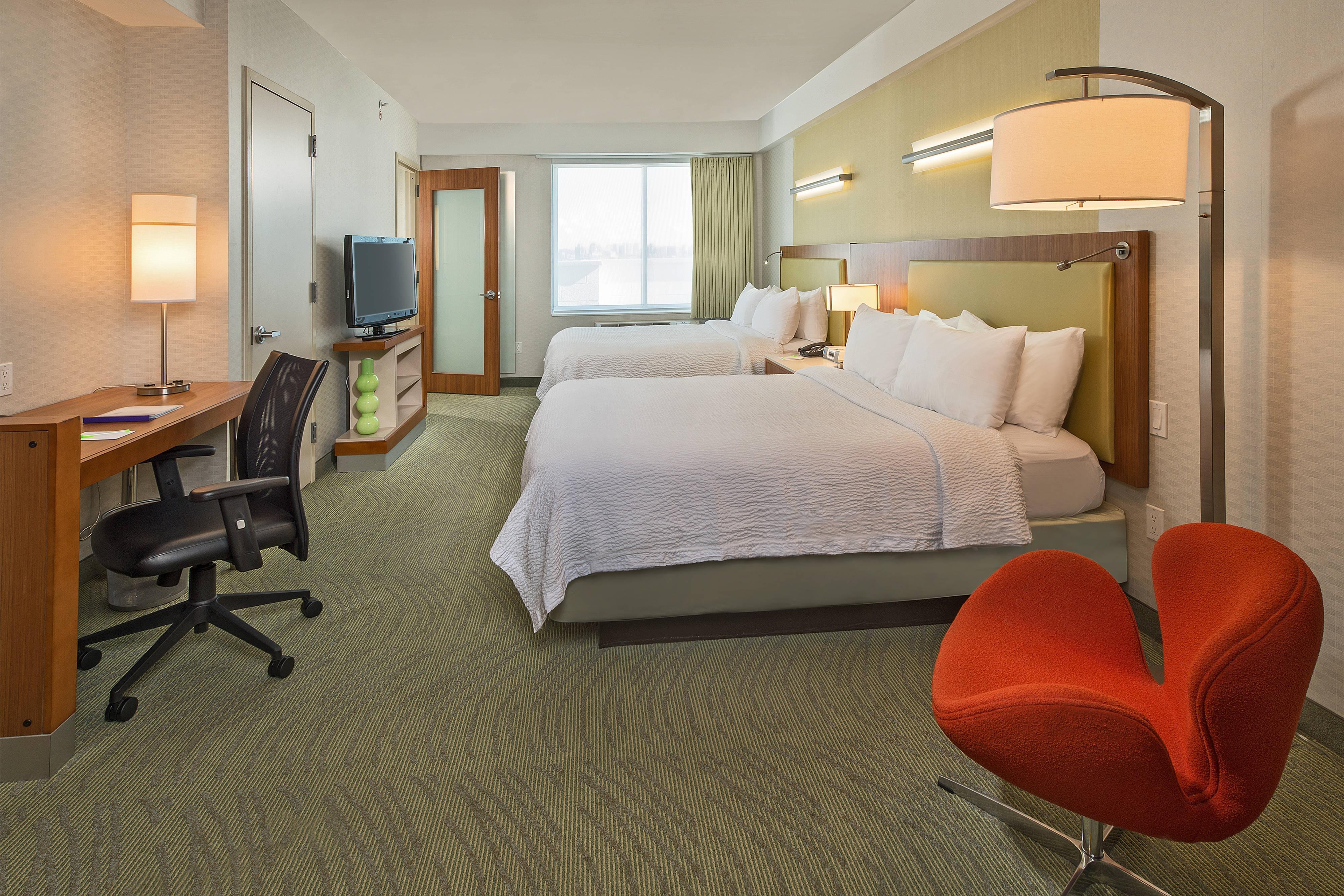 Queens hotel guest suite