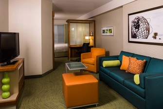 LaGuardia  hotel executive suite