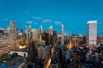 Midtown Manhattan Skyline View